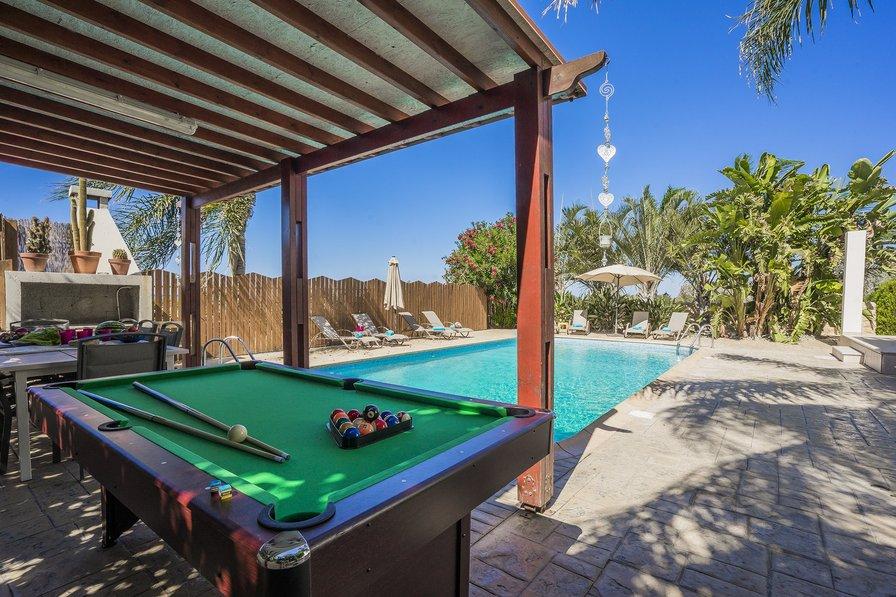 Bed Villa To Rent In Paphos