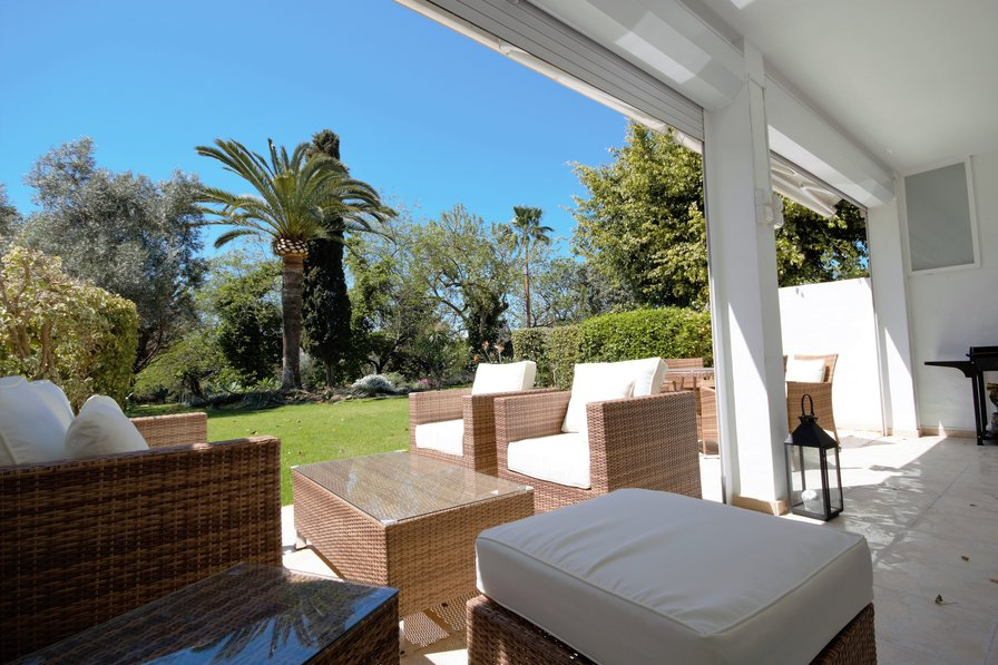 Casa Del Golf - Beautiful Gardens & Front Line Golf with Views