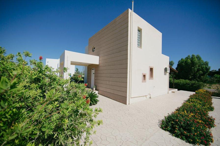 Evi's Sea View Villa