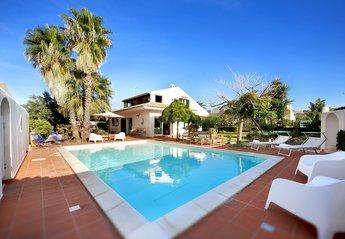 4 bedroom Villa for rent in Marina di Ragusa
