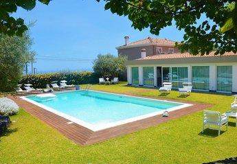 Villa in Italy, Viagrande