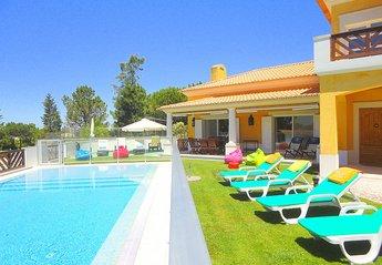 5 bedroom Villa for rent in Troia