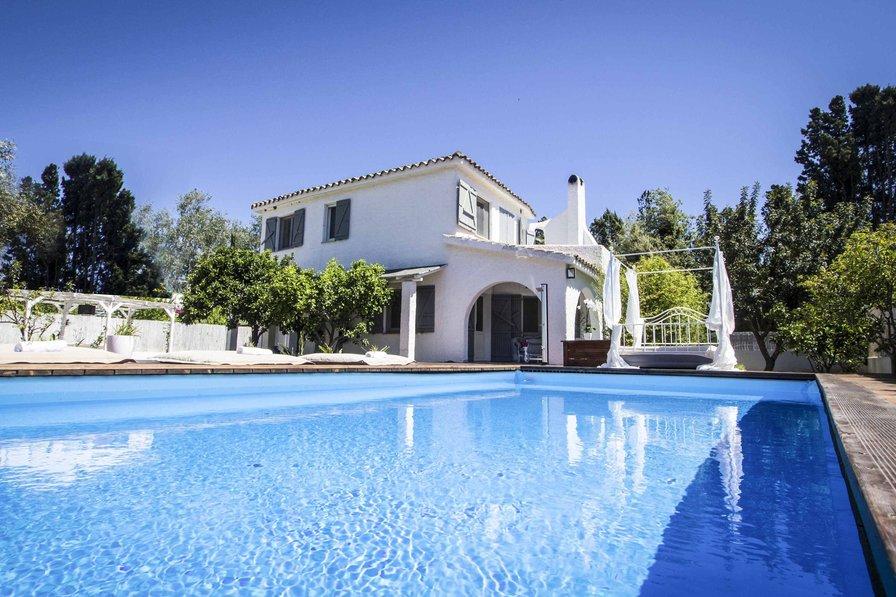 Villa in Italy, Porto Columbu-Perd'e Sali