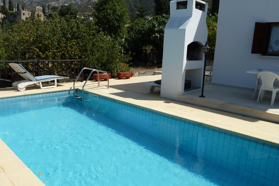 Bellapais Villa with private pool