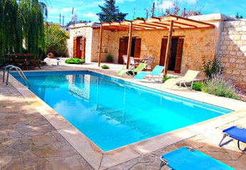 Bungalow in Cyprus, Drouseia