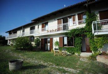 Villa in Italy, Trezzo Tinella