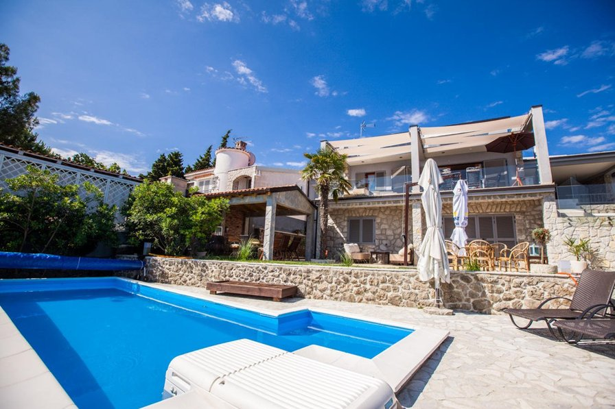 Apartment Ana 439 with pool in Vantacici