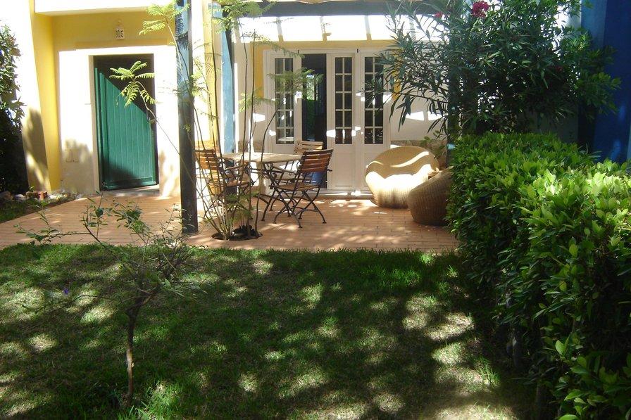 3 bedroom villa with garden & wifi in Praia Verde
