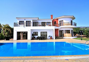 5 bedroom Villa for rent in Sea Caves
