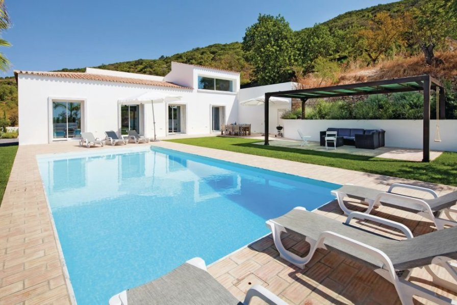 Villa To Rent In Bemposta Algarve With Private Pool 189725