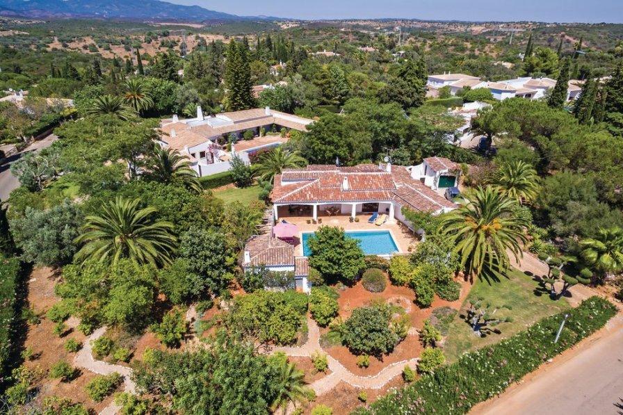 Villa to rent in the Algarve