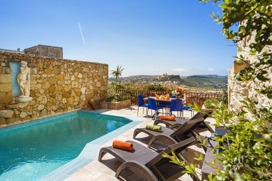 Ta' Vitor Farmhouse - private pool, spectacular views, free WiFi