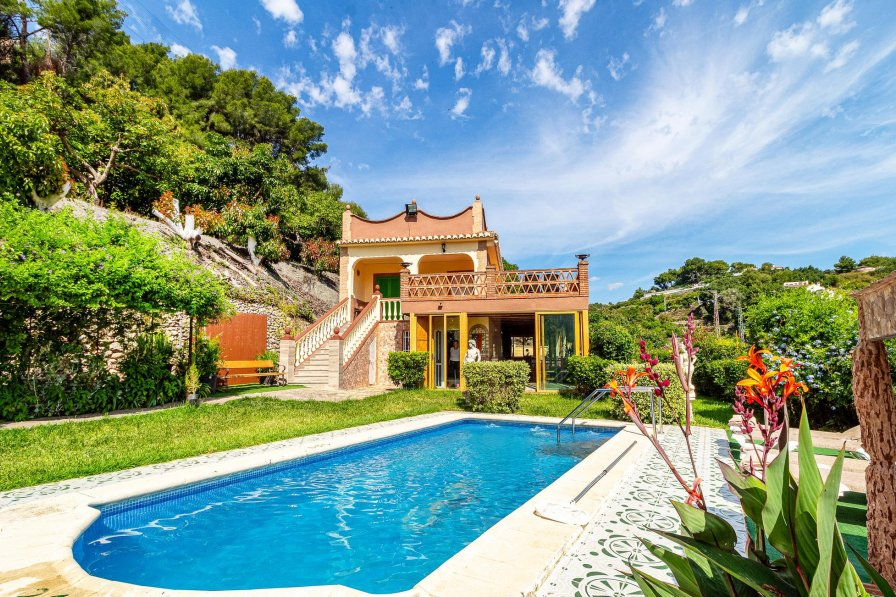 Villa To Rent In Frigiliana Spain With Swimming Pool 190000