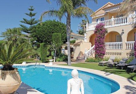 Villa in Benalmádena Pueblo, Spain