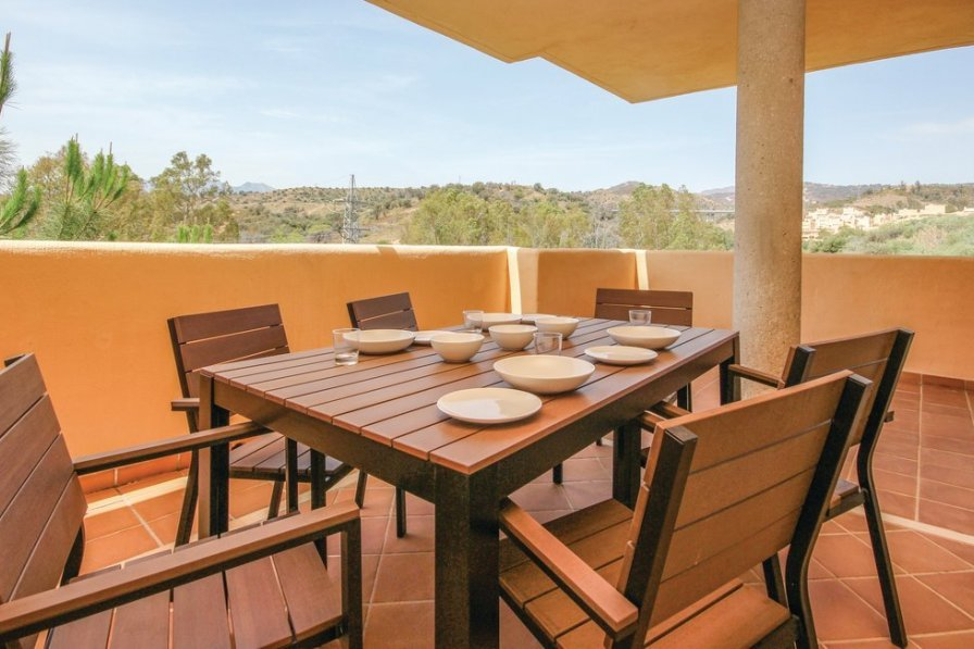 Elviria holiday apartment rental with shared pool