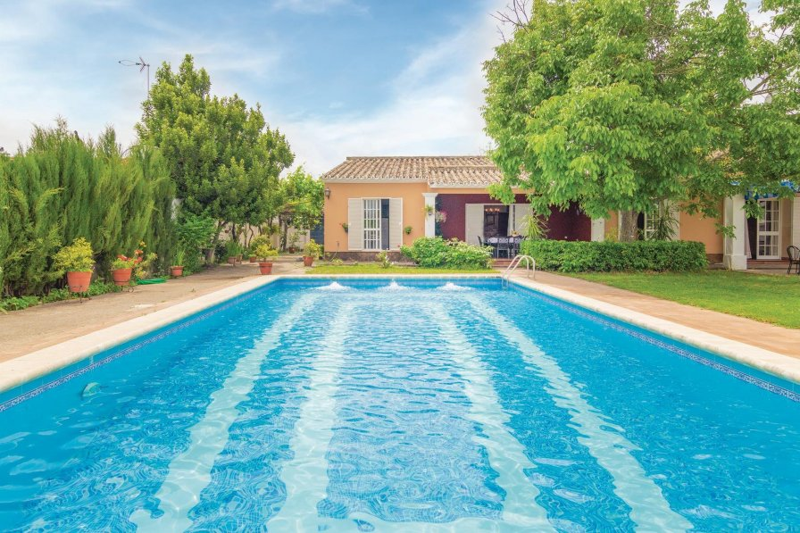 Villa To Rent In La Graja Spain With Swimming Pool 190125