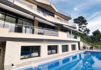 6 bedroom Villa for rent in Santa Susanna