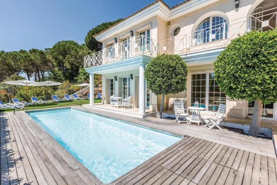 Villa To Rent In Cabrils Spain With Swimming Pool 190293
