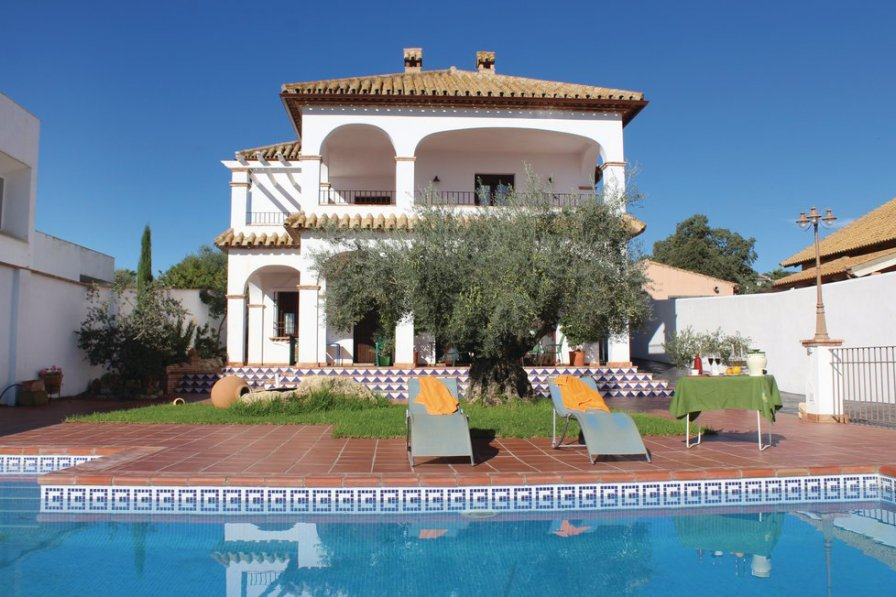 Villa To Rent In Hornachuelos Spain With Swimming Pool 190294
