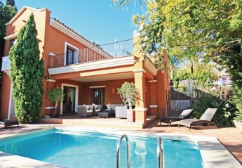 Villa in Spain, Marbella Sierra Blanca