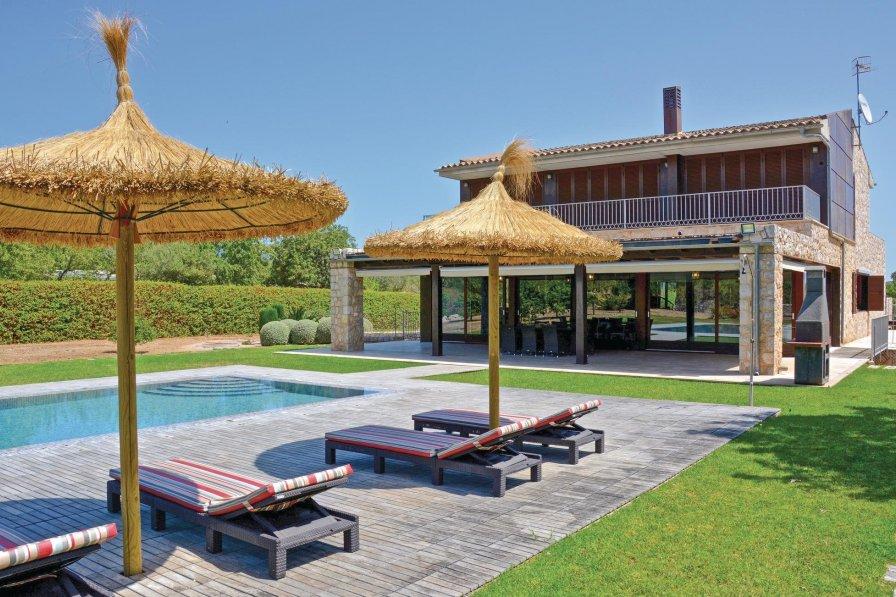 Villa To Rent In Lloseta Majorca With Swimming Pool 190435