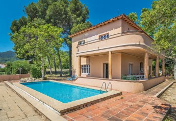 Villa in Spain, Argentona