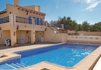 4 bedroom Villa for rent in Cabo Roig