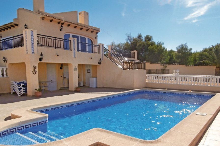 Villa To Rent In Cabo Roig Spain With Swimming Pool 190506
