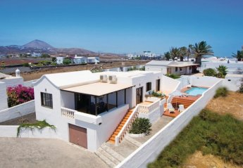 2 bedroom Villa for rent in Puerto del Carmen