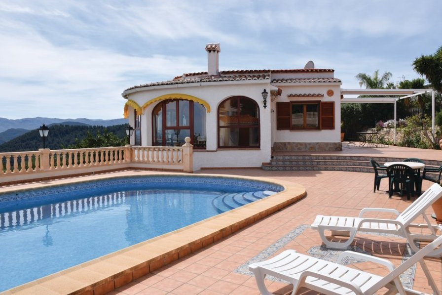 Swimming Pool Rentals : Villa to rent in oliva spain with swimming pool