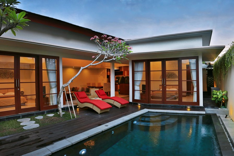 "2-BEDROOM-LUXURY-VILLA ""Nusa Dua"" 100m Beach!"