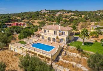 Villa in Portugal, Loule: Aerial View of House