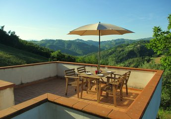 Cottage in Italy, Penne: Relax and enjoy  the stunning views of the Italian countryside