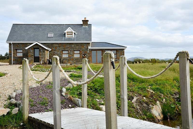 House in Ireland, Rossmore Island
