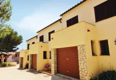 Villa in Urbanització La Borna, Spain