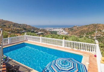 5 bedroom Villa for rent in Torrox