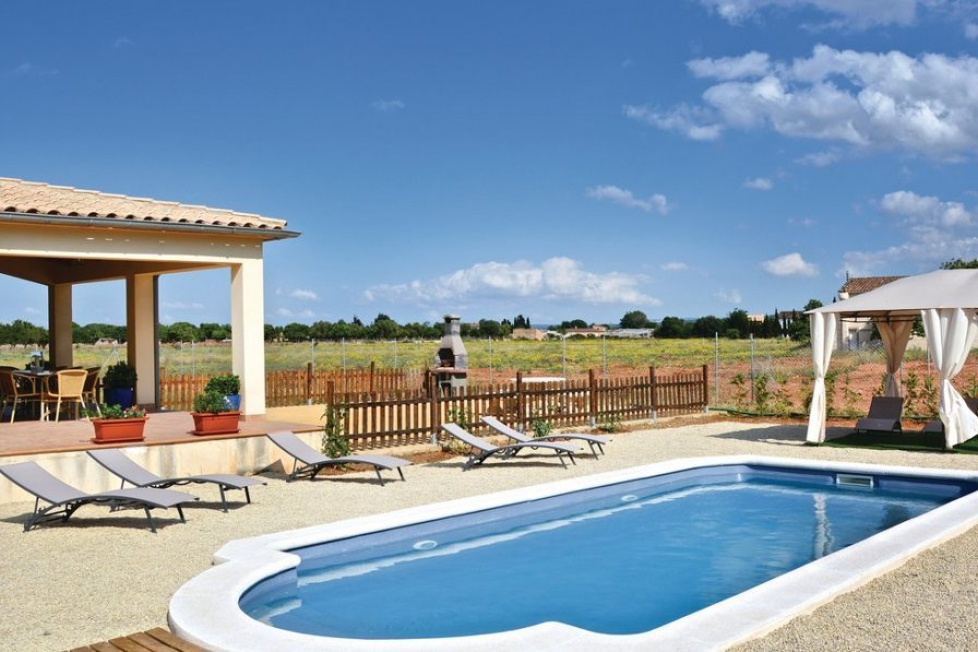Swimming Pool Rentals : Villa to rent in inca majorca with swimming pool