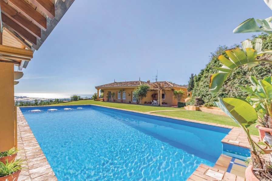 Villa To Rent In Motril Spain With Swimming Pool 191186