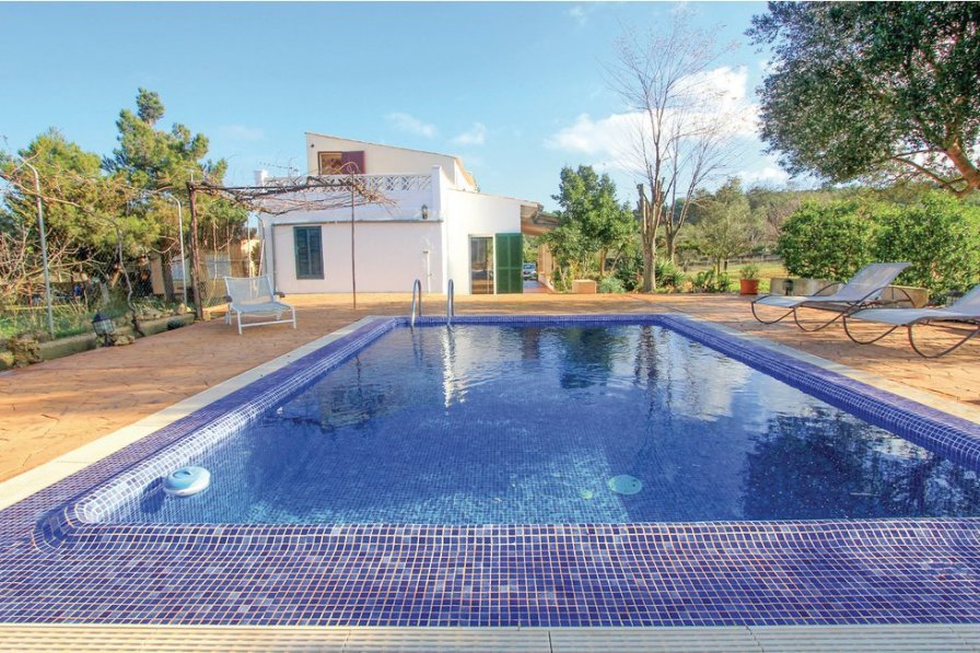 Villa To Rent In Algaida Majorca With Swimming Pool 191221