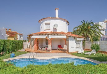 3 bedroom Villa for rent in Oliva