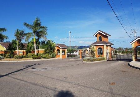 House in Saint Ann's Bay, Jamaica