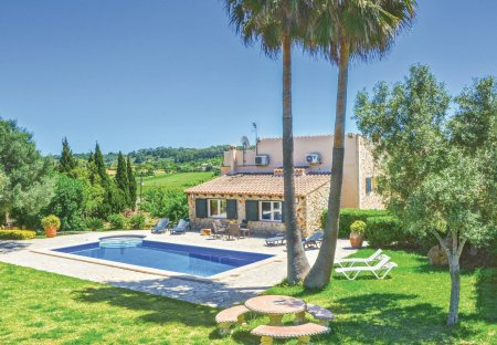 Villa in Sineu, Majorca