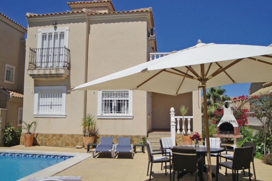 Holiday villa in Lomas de Polo-Pinomar with swimming pool