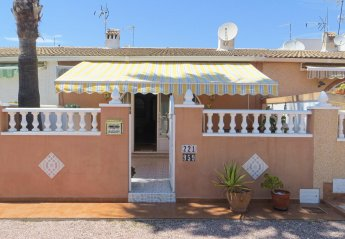 2 bedroom Villa for rent in Torrevieja area