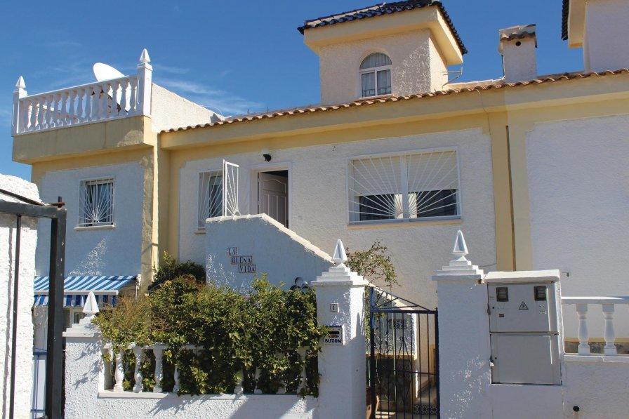 Holiday villa in Ciudad Quesada with shared pool