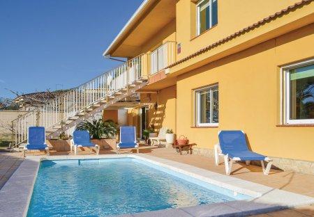 Villa in Serres, Spain