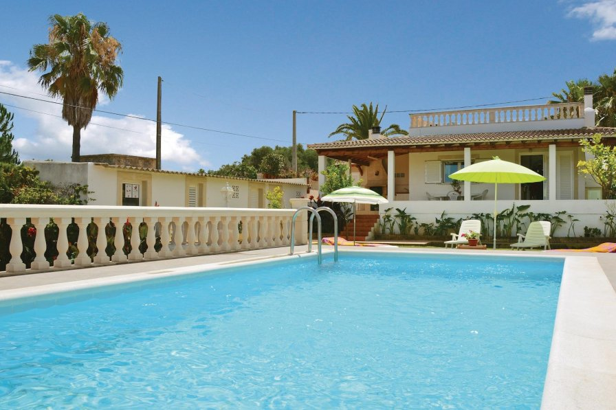 Villa To Rent In Muro Majorca With Swimming Pool 191909