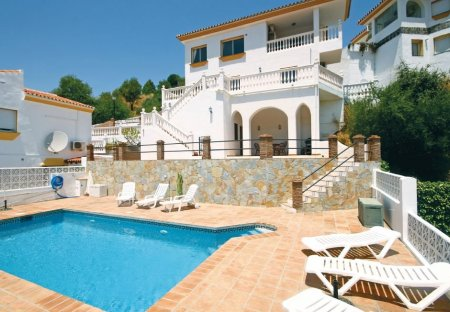 Villa in Monda, Spain