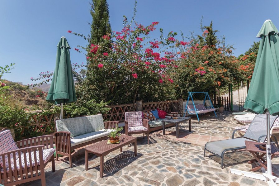 Villa To Rent In Total N Spain With Swimming Pool 192050