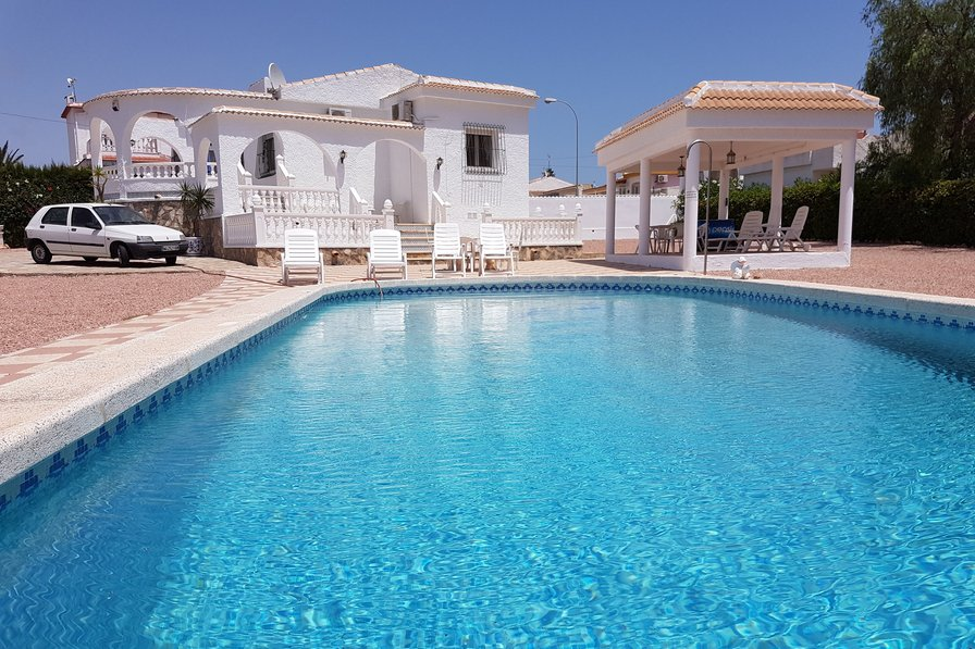 Villa to rent in El Chaparral, Spain with private pool 192175
